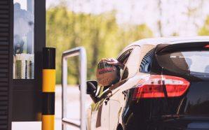 LIEFERSERVICE UND DRIVE-IN